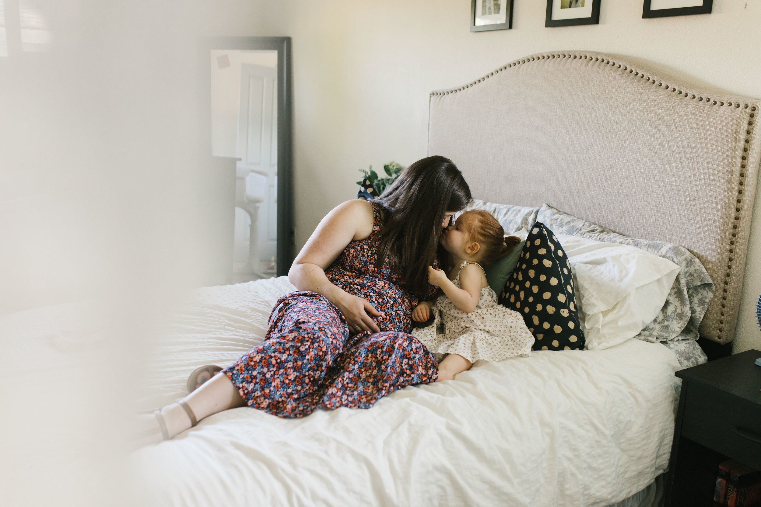 In-home maternity session with sweet family in Seattle with Chelsea Macor Photography-14.jpg