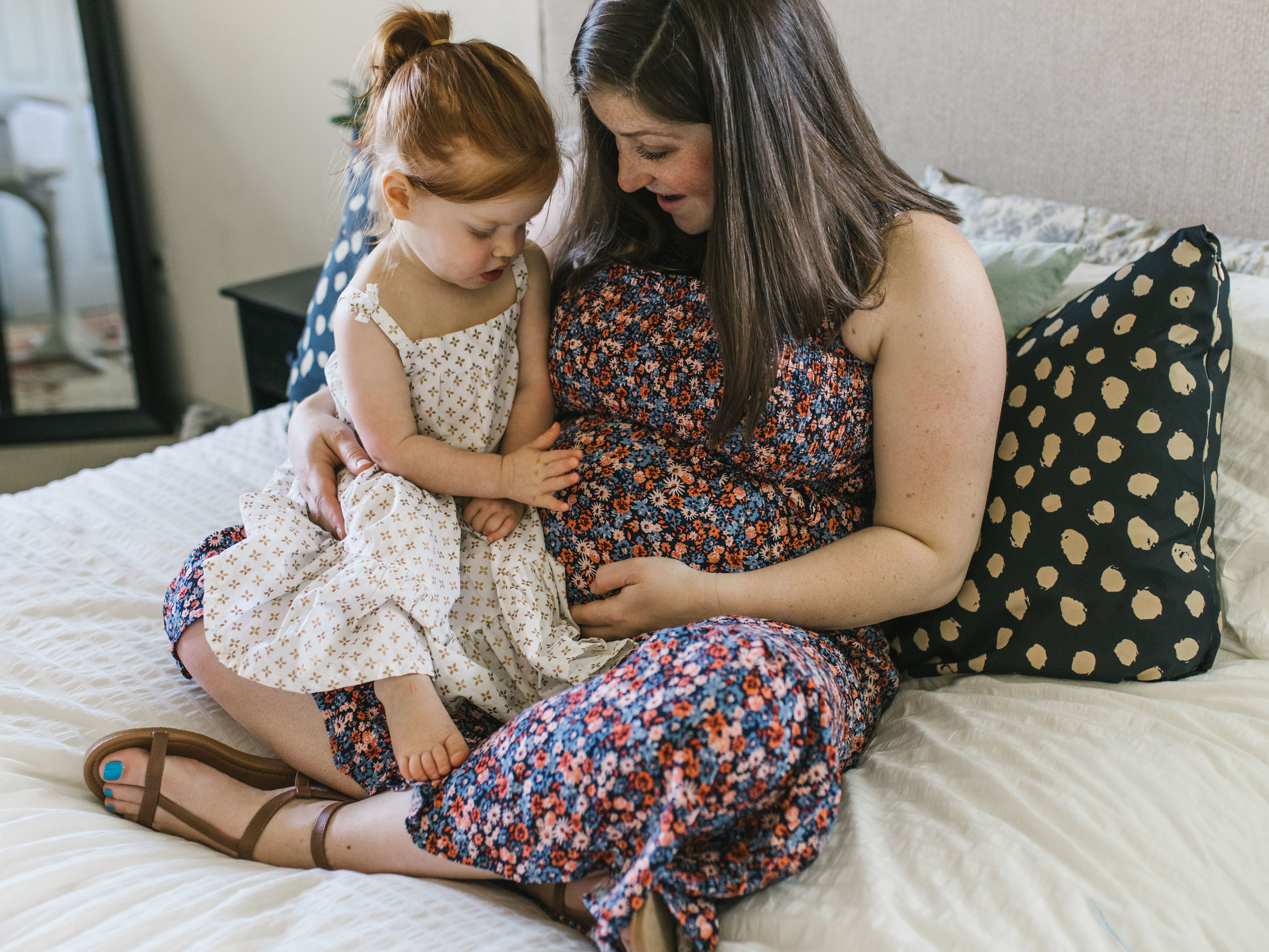 In-home maternity session with sweet family in Seattle with Chelsea Macor Photography-16.jpg