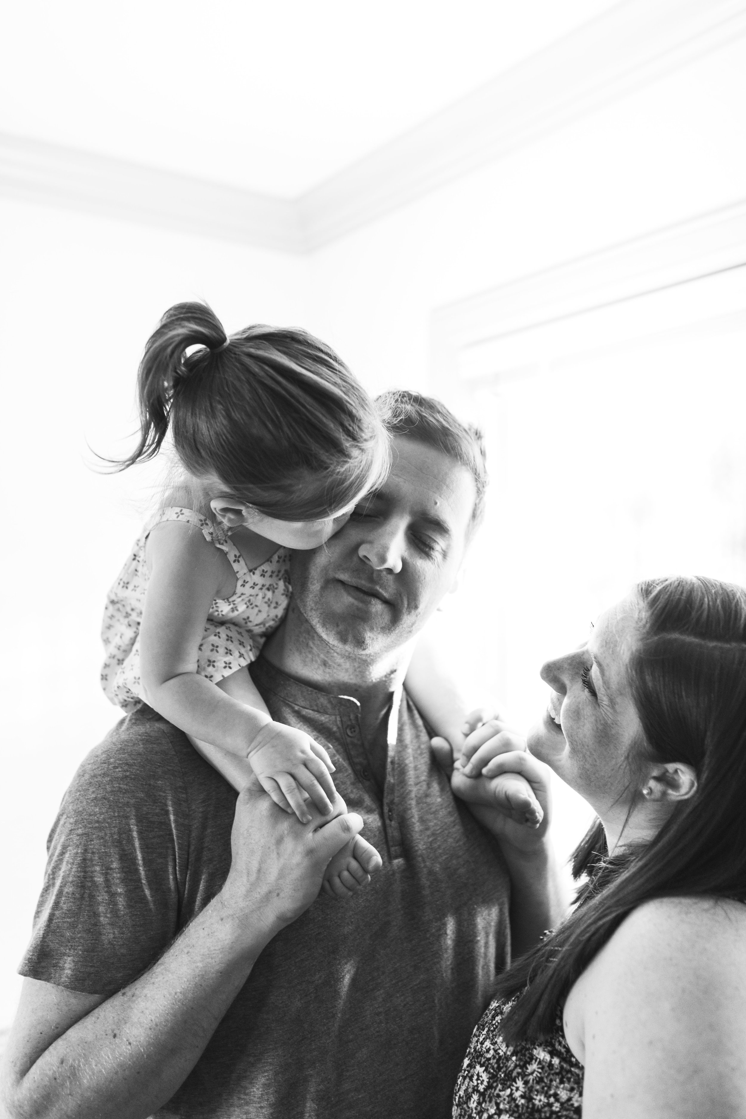 In-home maternity session with sweet family in Seattle with Chelsea Macor Photography-29.jpg