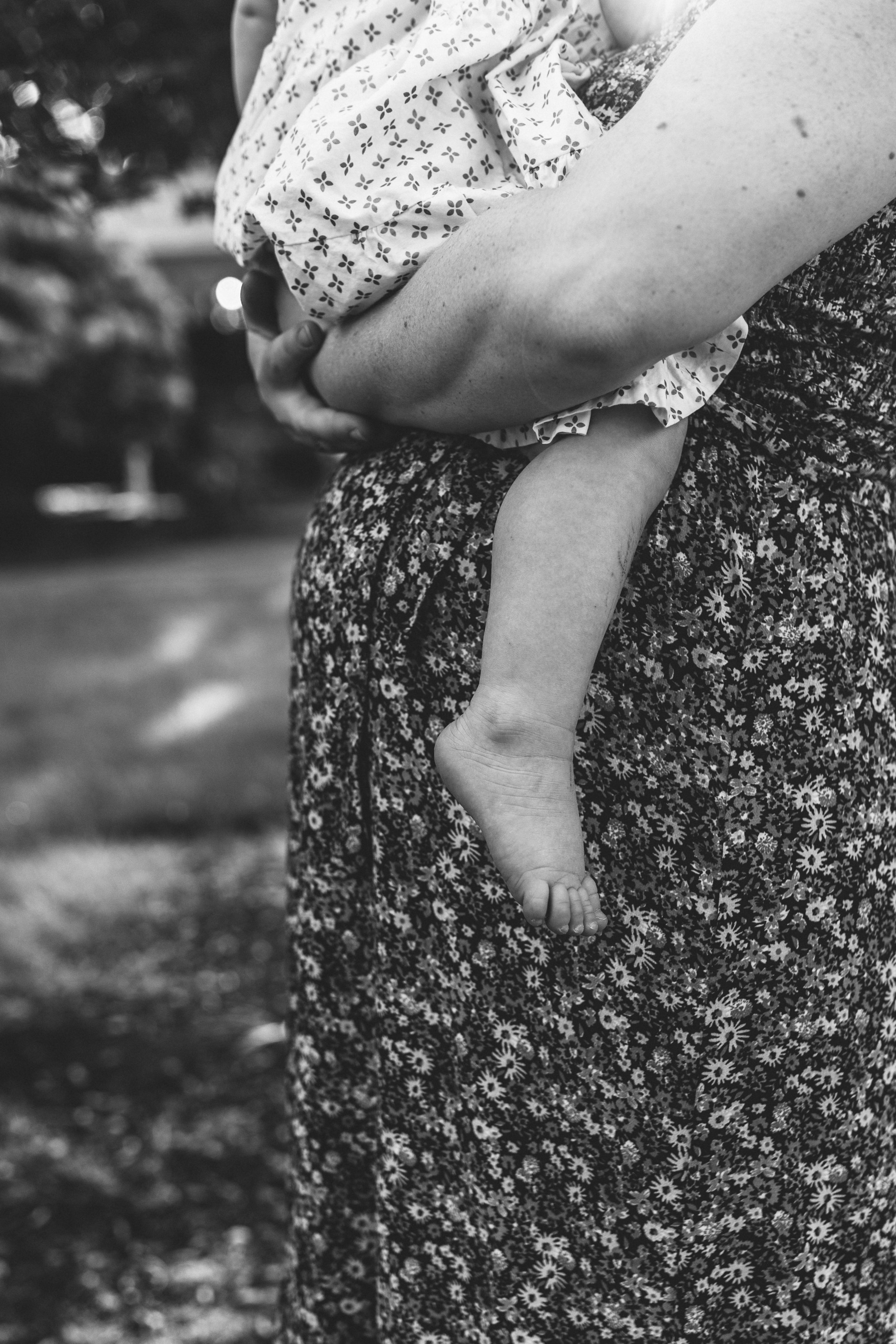 In-home maternity session with sweet family in Seattle with Chelsea Macor Photography-47.jpg