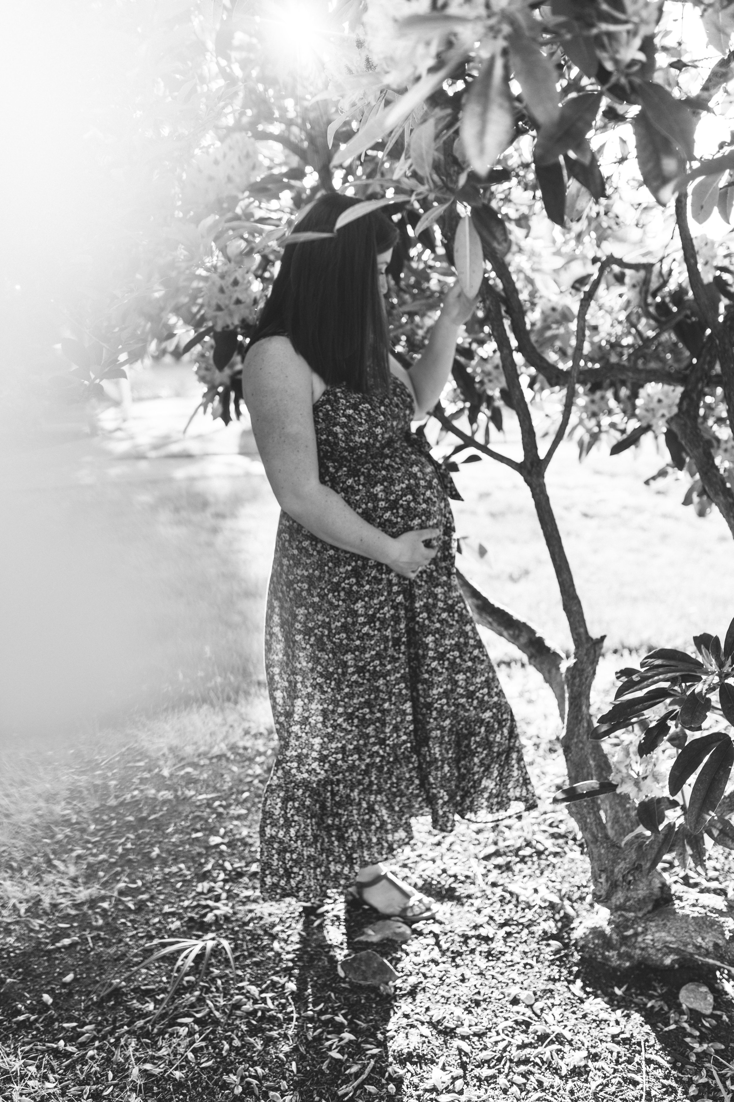 In-home maternity session with sweet family in Seattle with Chelsea Macor Photography-53.jpg