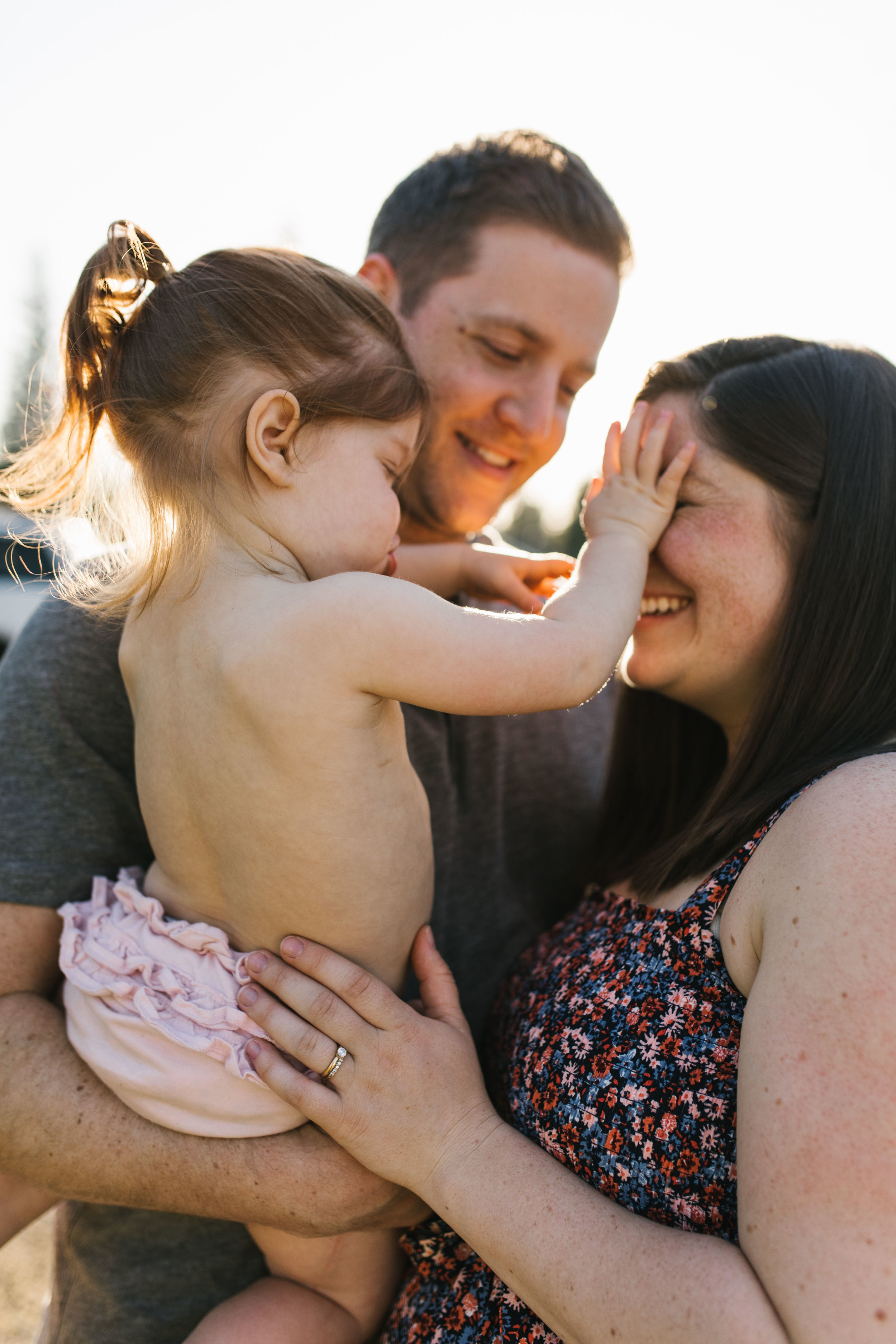 In-home maternity session with sweet family in Seattle with Chelsea Macor Photography-60.jpg