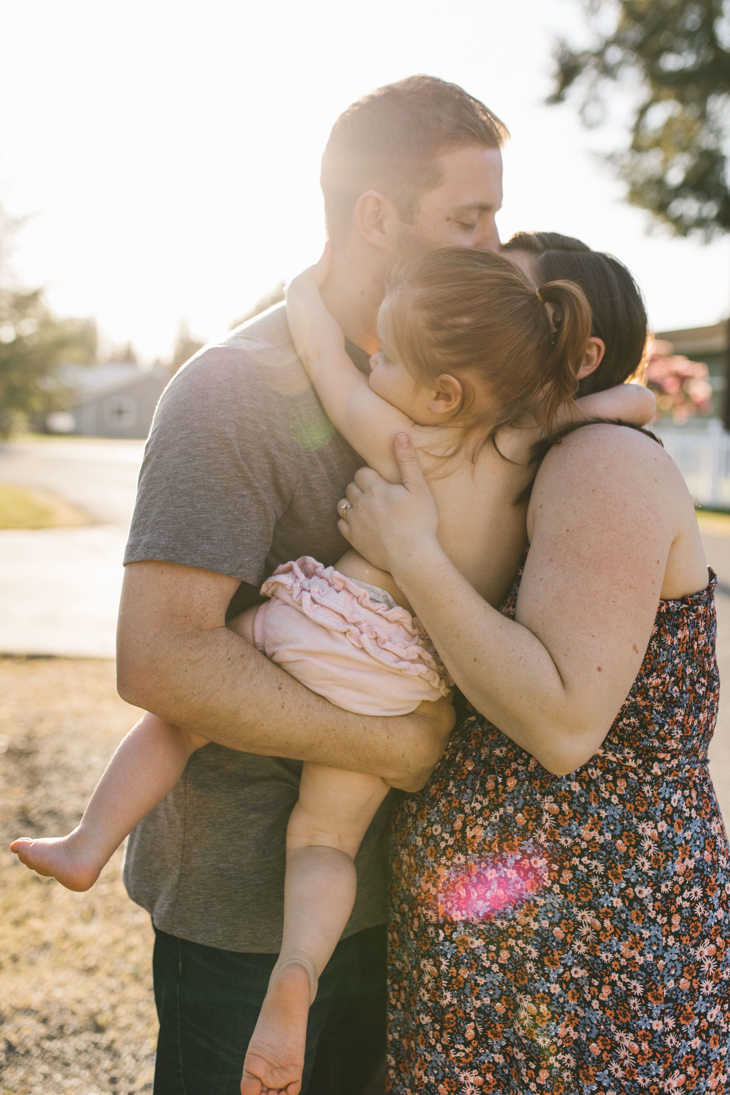 In-home maternity session with sweet family in Seattle with Chelsea Macor Photography-64.jpg