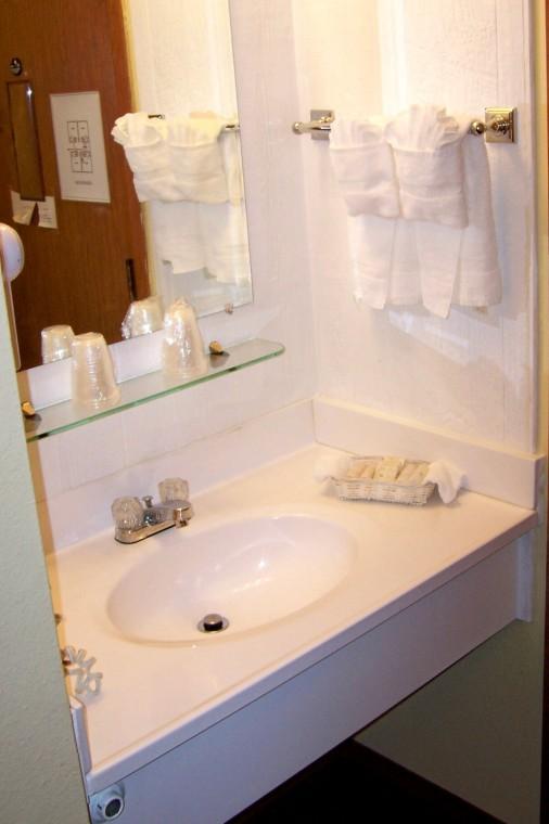 signature room sink.jpg