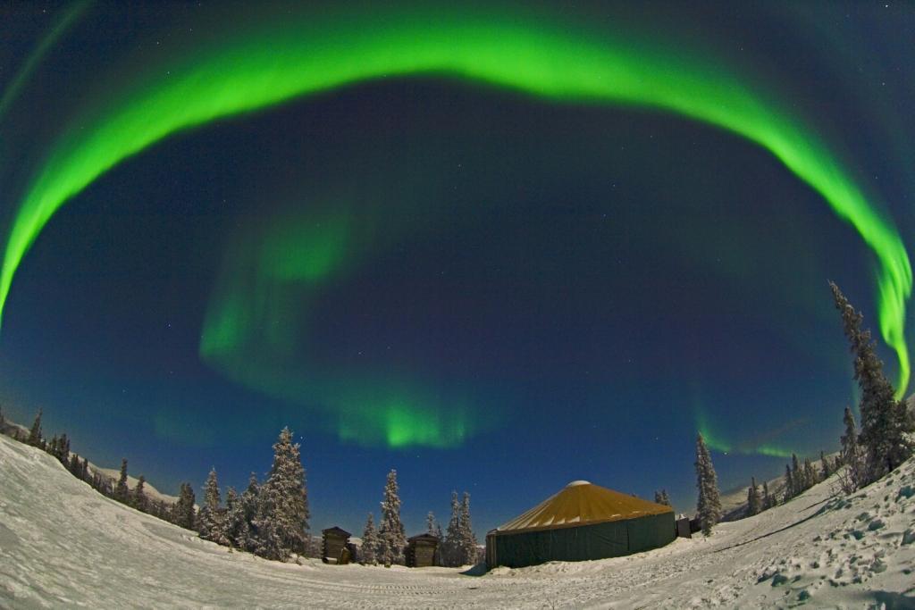 4mcclean arch aurora over yurt.jpg