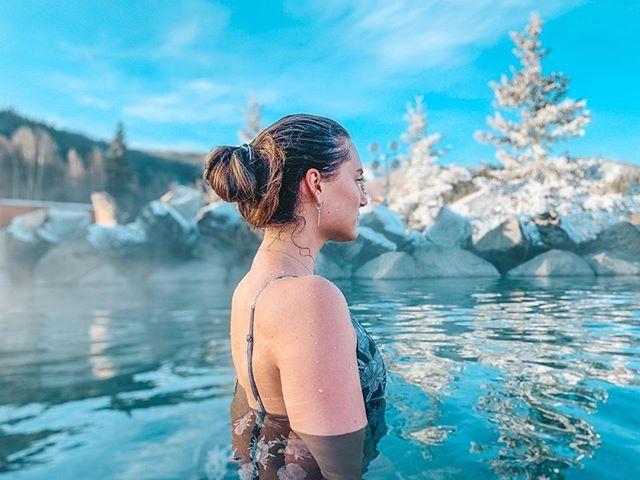 "Come and relax 😌⠀ ⠀ Reposting @adela_adson:⠀ ...⠀ ""🧜♀️ #alaska #fairbanks #hotsprings #chenahotsprings #northpole #winter #snow #model #lamodels #pretty #cute #livingmybestlife #happy #lovinginthemoment #livingtoinspire #usa #travel #vacation"""