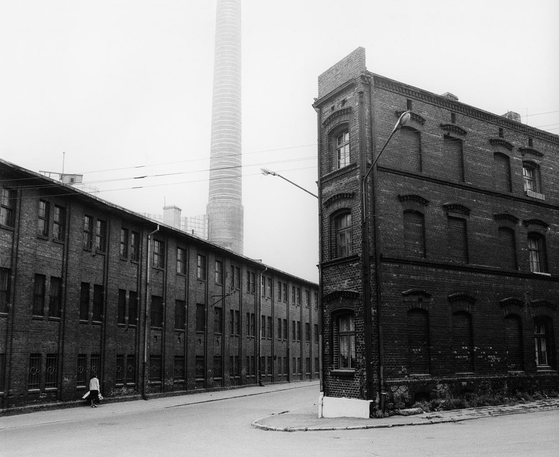 Michał Cała,  A street at the Chorzów Power Plant , 1985