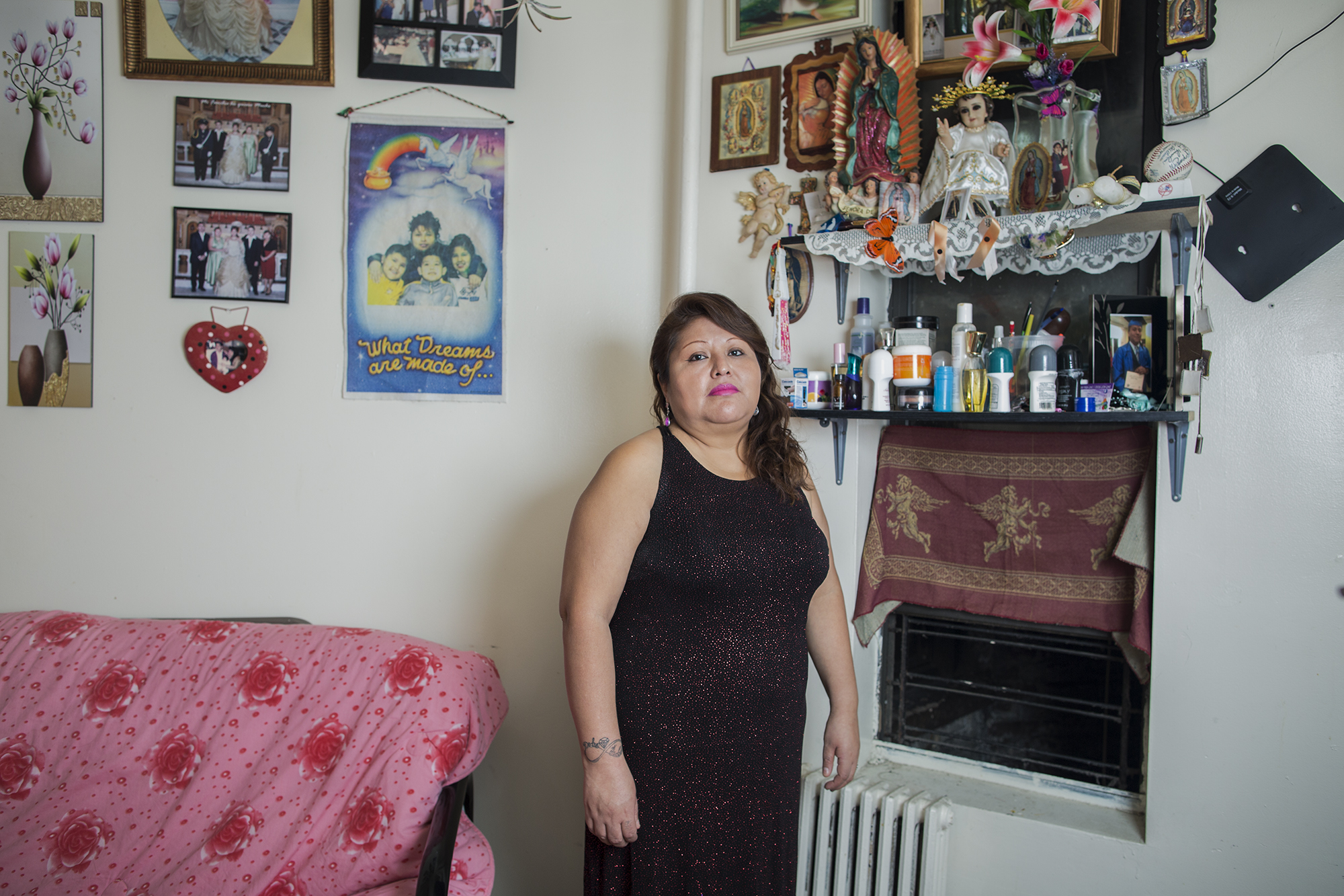 Yolanda is an activist member of the organization New Sanctuary Movement. She is originally from Xochihuehuetlán, state of Guerrero, México, but for 20 years she has been living in the Bronx. She likes tattoos and cooking the traditional food of her town, like pozole.