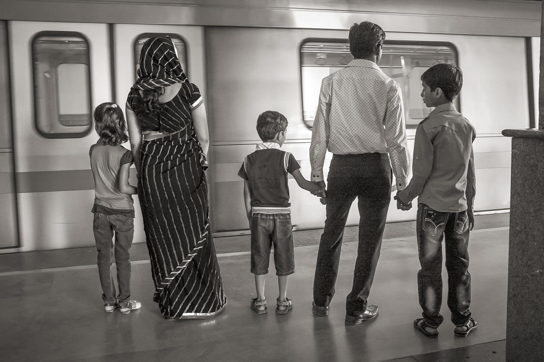 Stan Raucher,  Yellow Line at HUDA City Center, Delhi,  2012