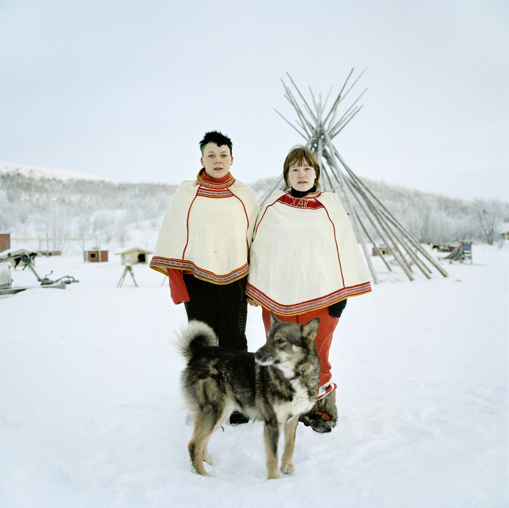 linn, marita et le chien, máze, 2008.jpg