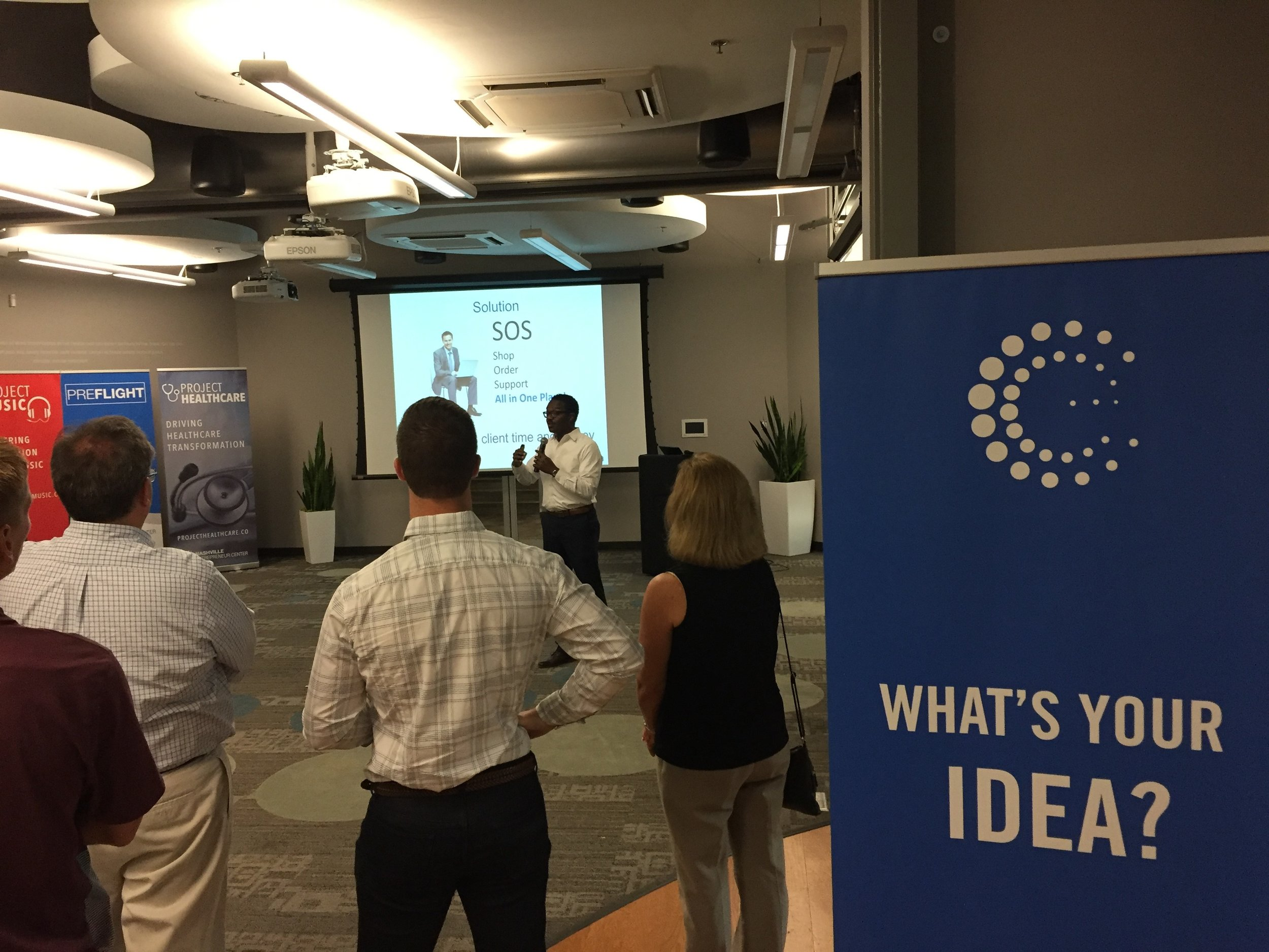 Pitching Mitech Partners to fellow entrepreneurs at the Nashville Entrepreneur Center