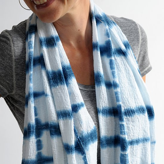 diy-indigo-shibori-scarf-tutorial.jpg