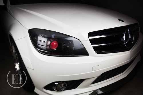 Want your Benz looking fresh? We got you! This Benz got the simple and proper treatment it needed: •RGBW Demon Eyes •Full Housing Blackout  For more pictures visit our website and check out our gallery!  #mercedes #mercedesbenz #benz #benzo #c300 #c63 #evilheadlights #retrofit