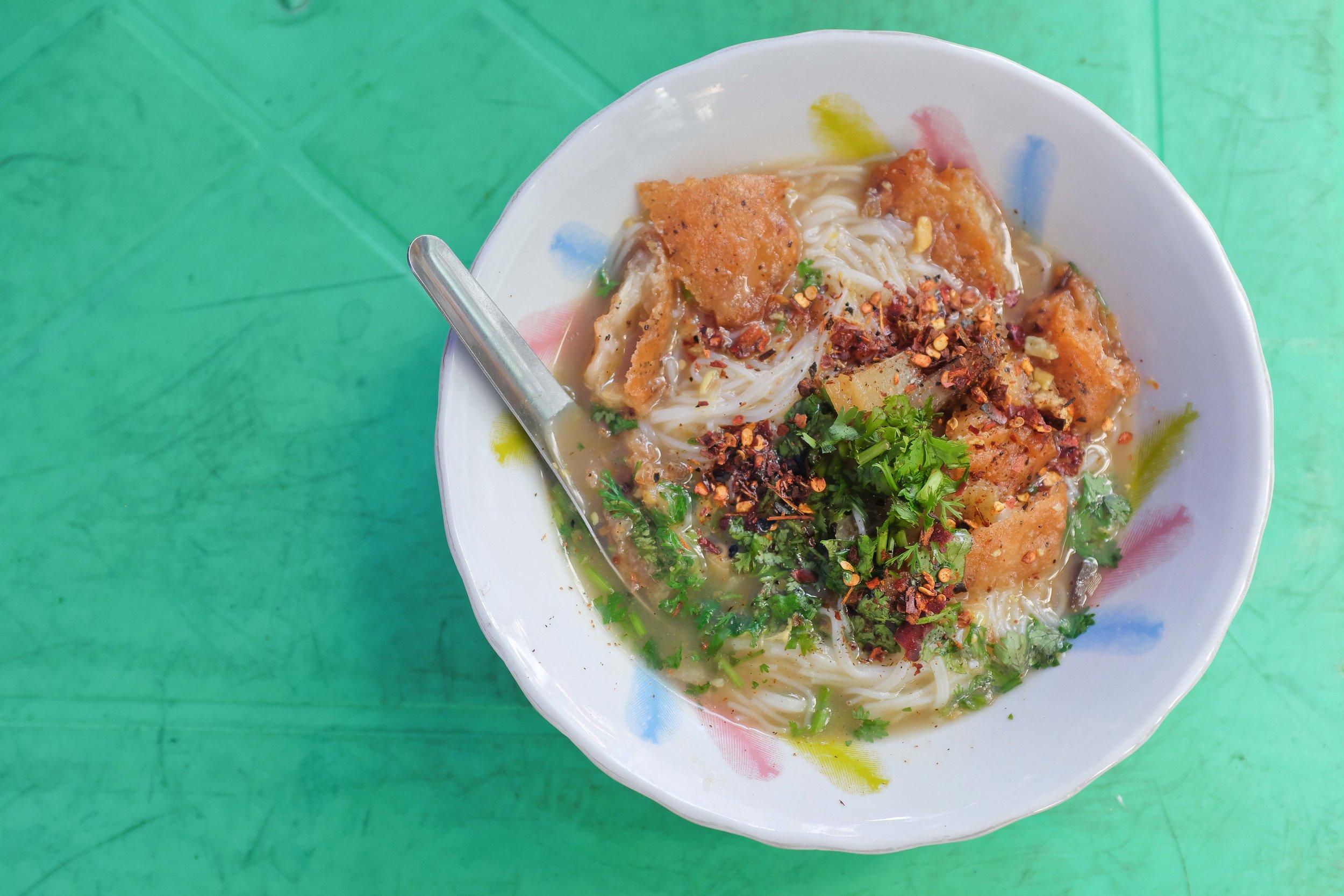 Mohinga - Classic Yangon Street Food