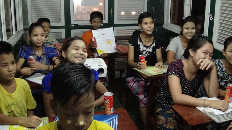 A Myanmar Mobile Education Project (myME) class