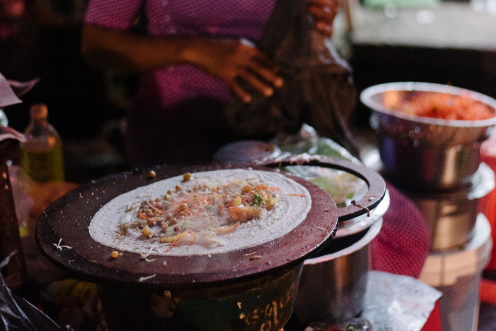 Yangon Food Tour at night: The Gangster snack
