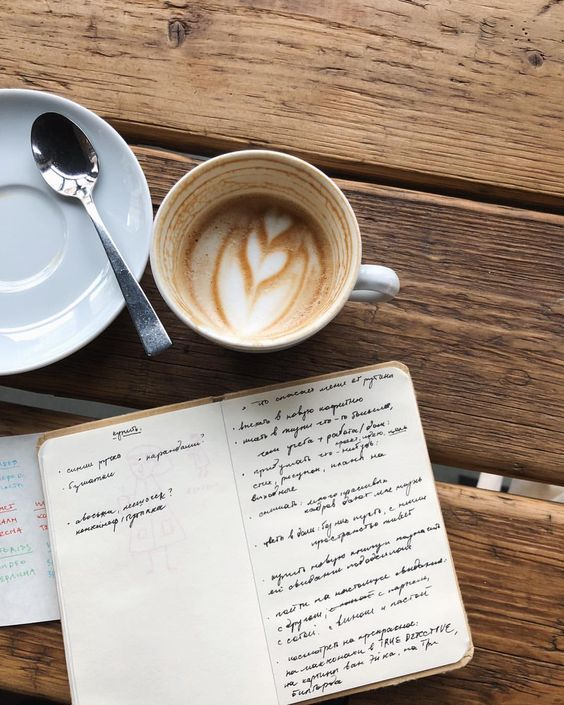 Handwriting notes and coffee Source: instagram @larisazz