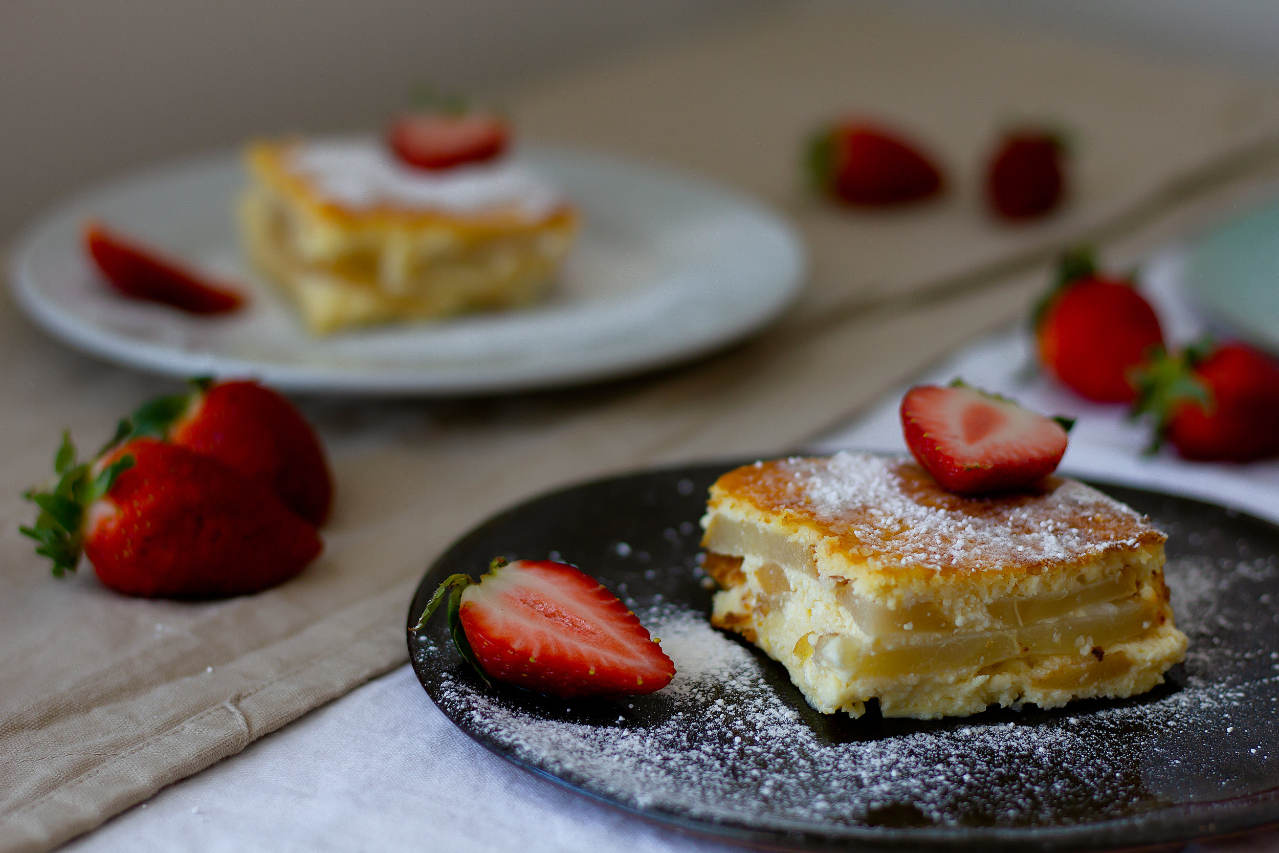 Easy-Ricotta-Cake-With-Pear-And-Strawberries-Neperfect-Blog-Natasha-Manukhina-Darmandrail-8.JPG