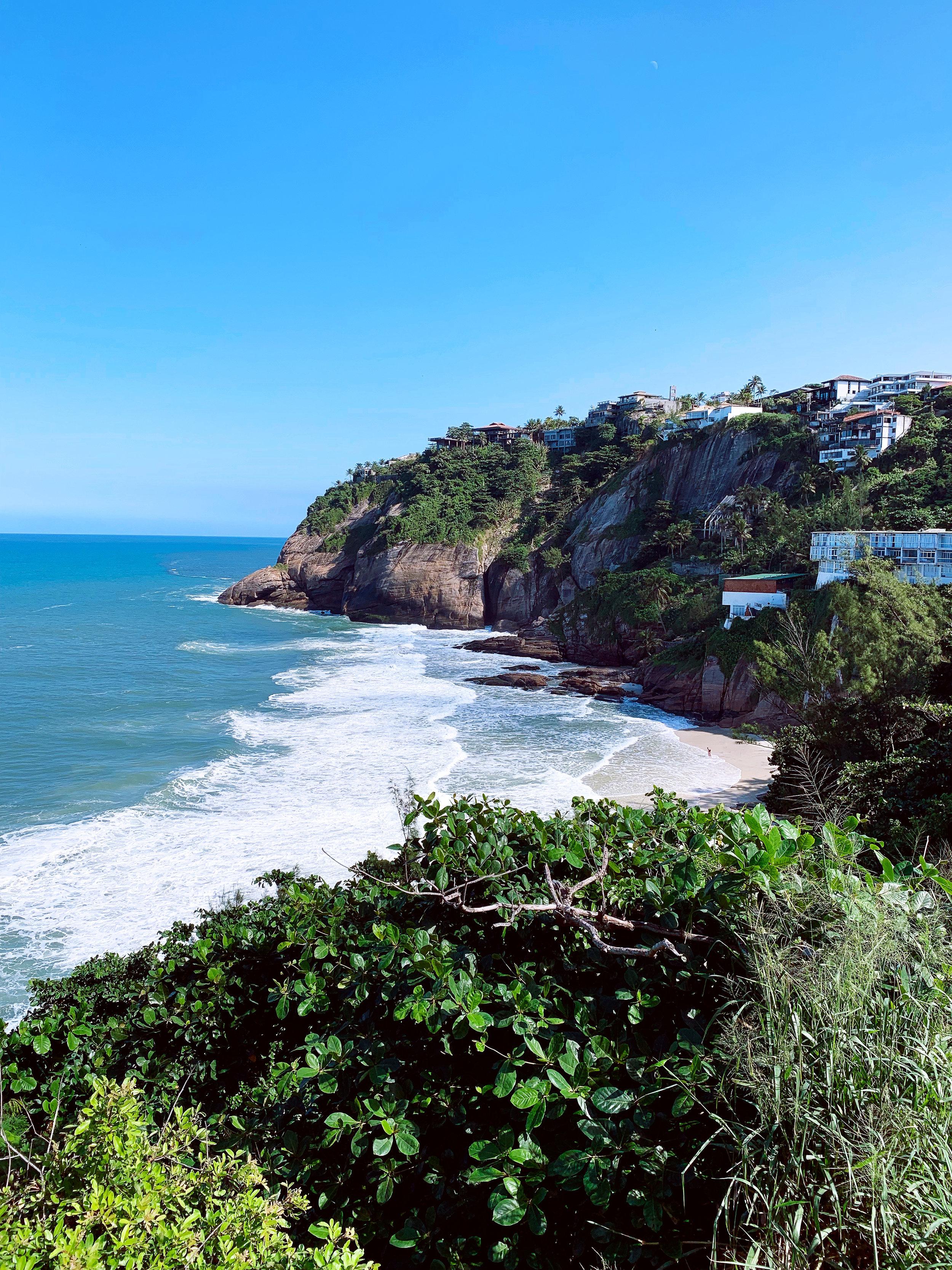 Самый красивый пляж в Рио с самой чистой водой. Пляж Joatinga.