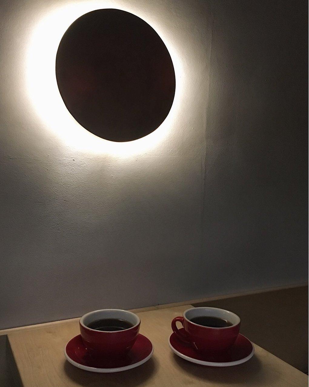 Черный кофе в кофейне Кооператив Чёрный