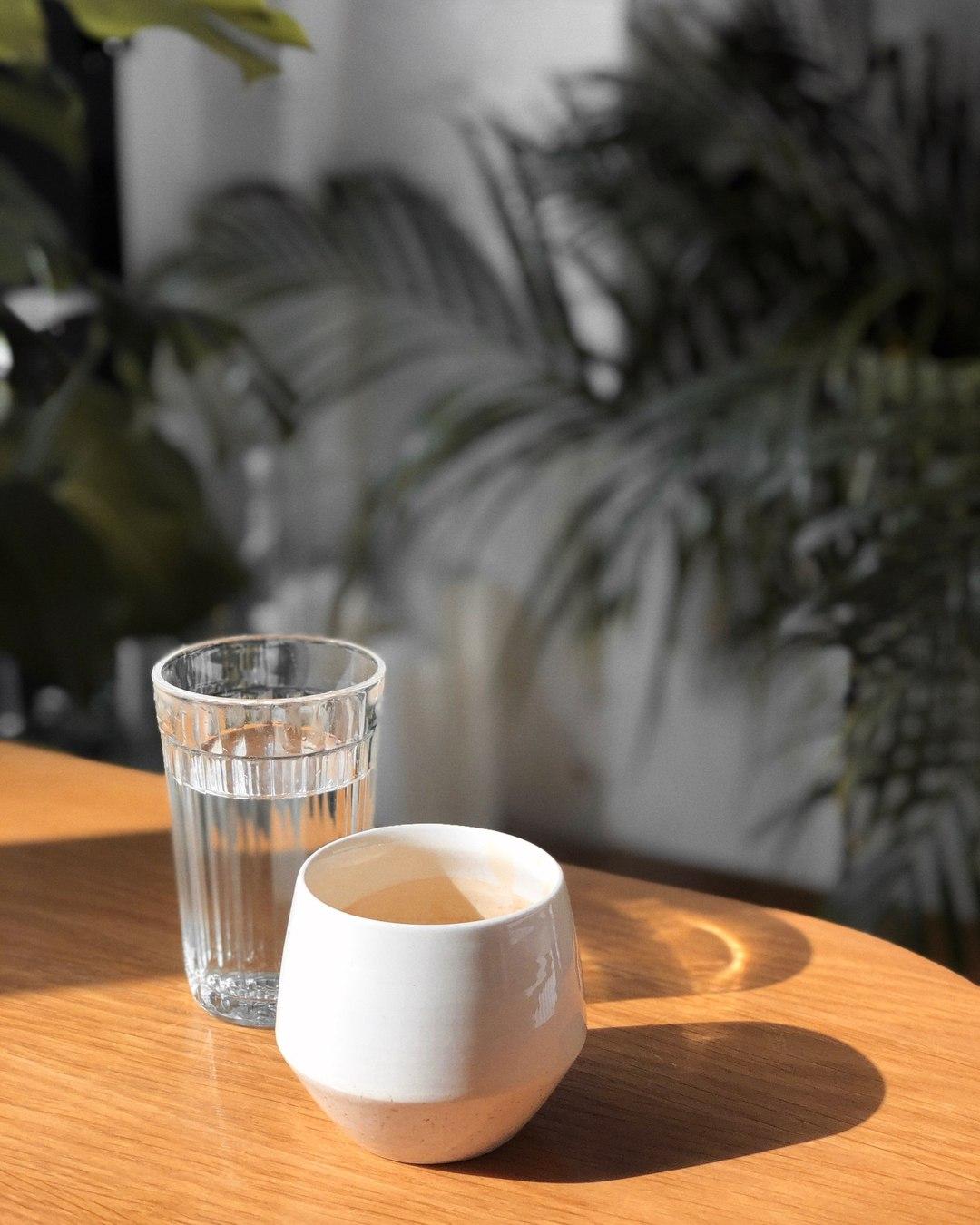 Чёрный кофе в кофейне Bloom-n-Brew