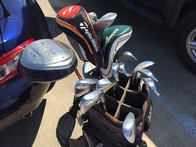 Low Tech -- Here's the bag o' sticks I borrowed while in Dallas. And, yes, that is a 2-iron you're seeing there.