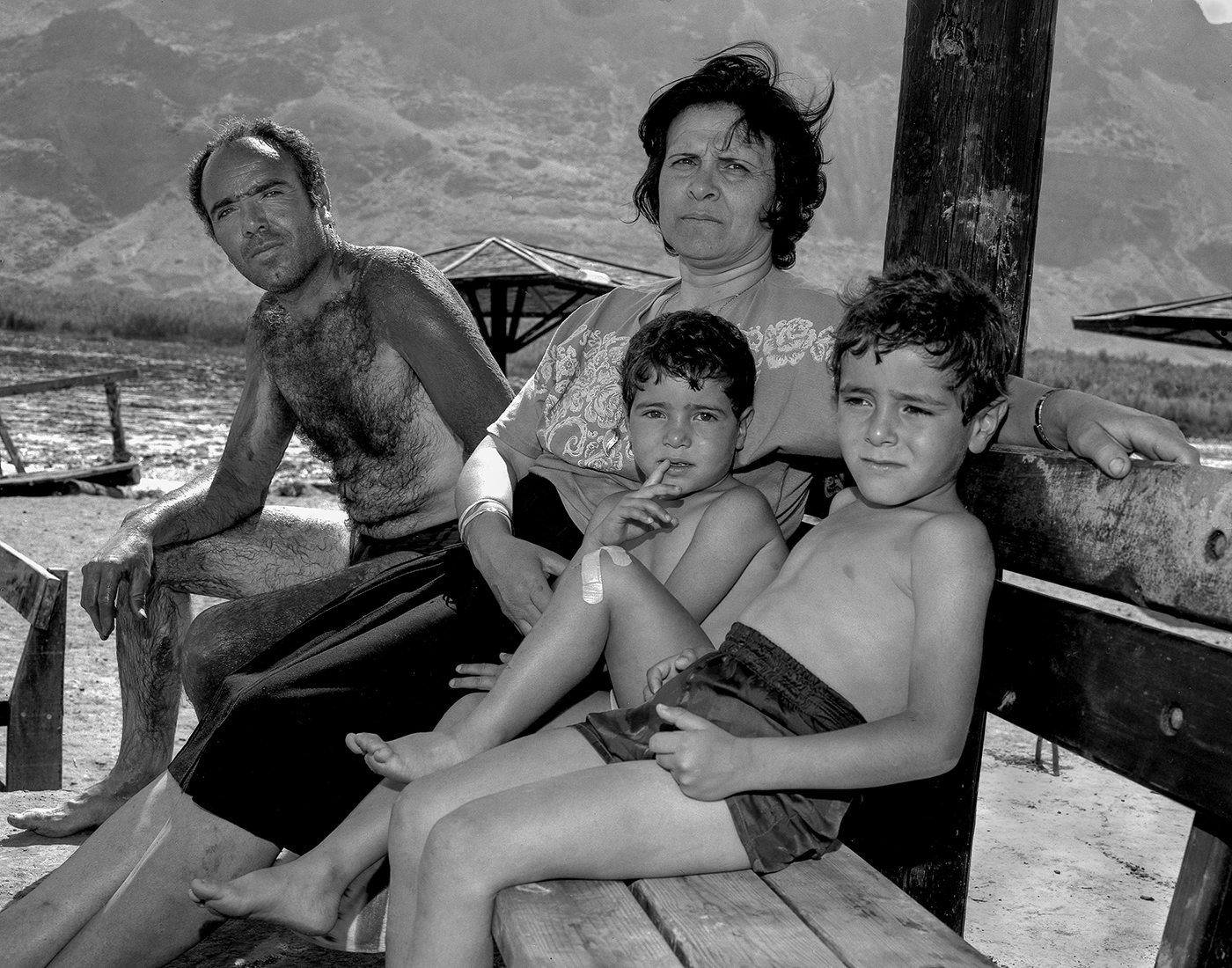 Hally Pancer_some arabs and some jews_Arab Family at the deas sea_02.jpg