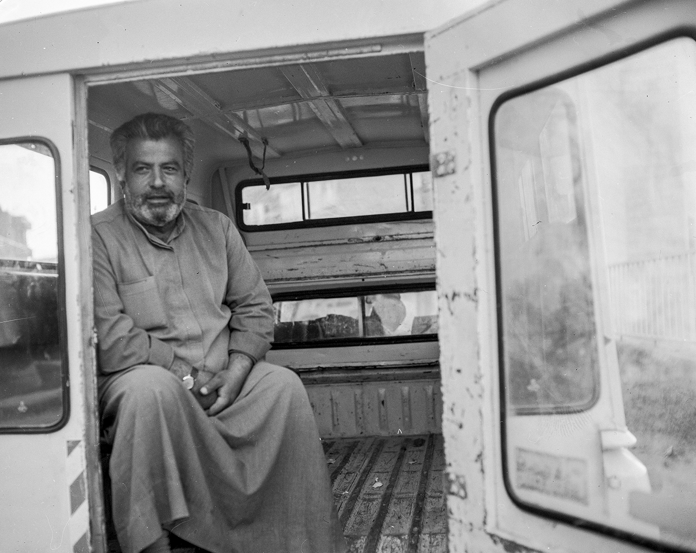 Hally Pancer_some arabs and some jews_palestinian man waiting for a ride_03.jpg