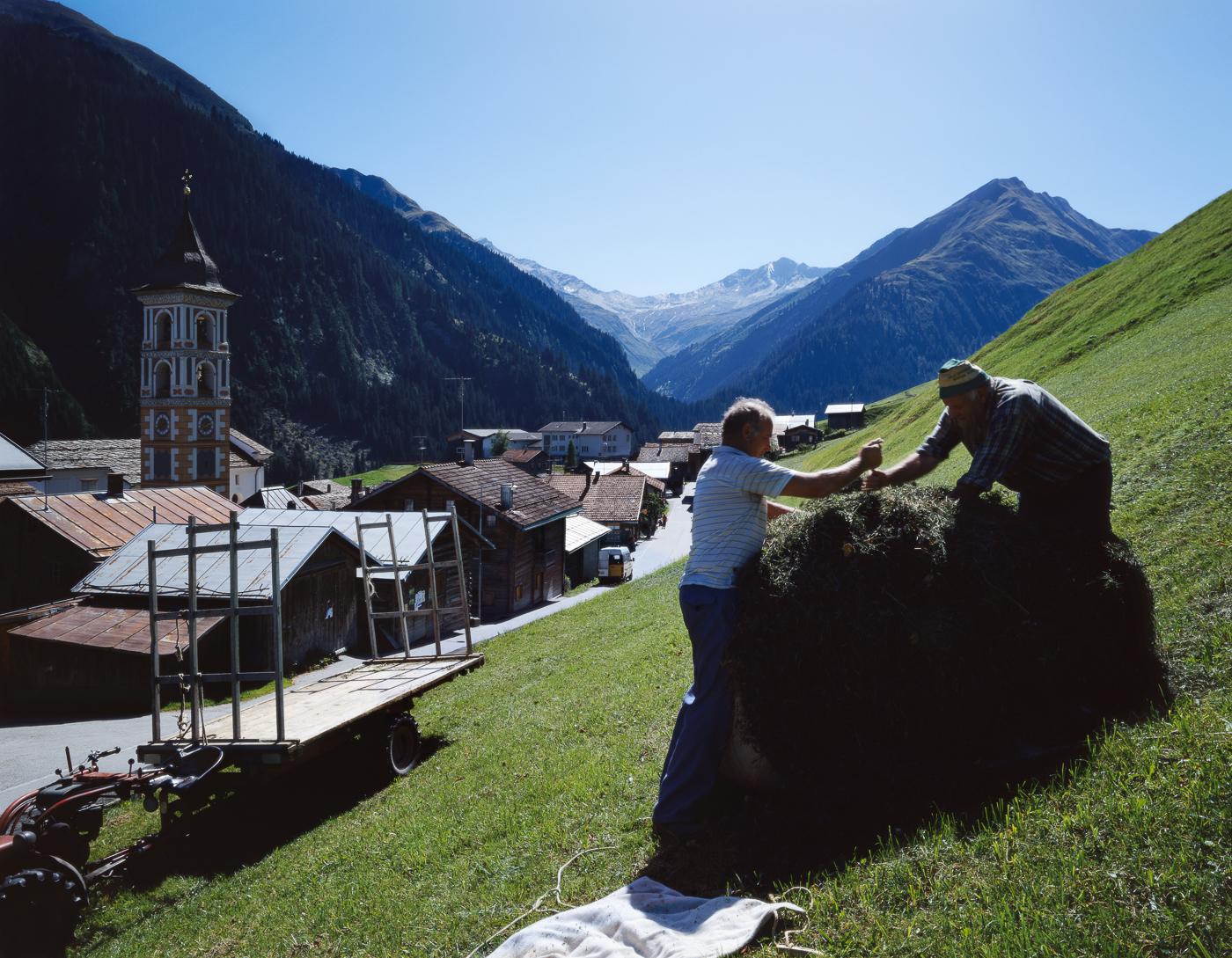 Verner Soler_USA-Switzerland_Visits to my village_05.jpg