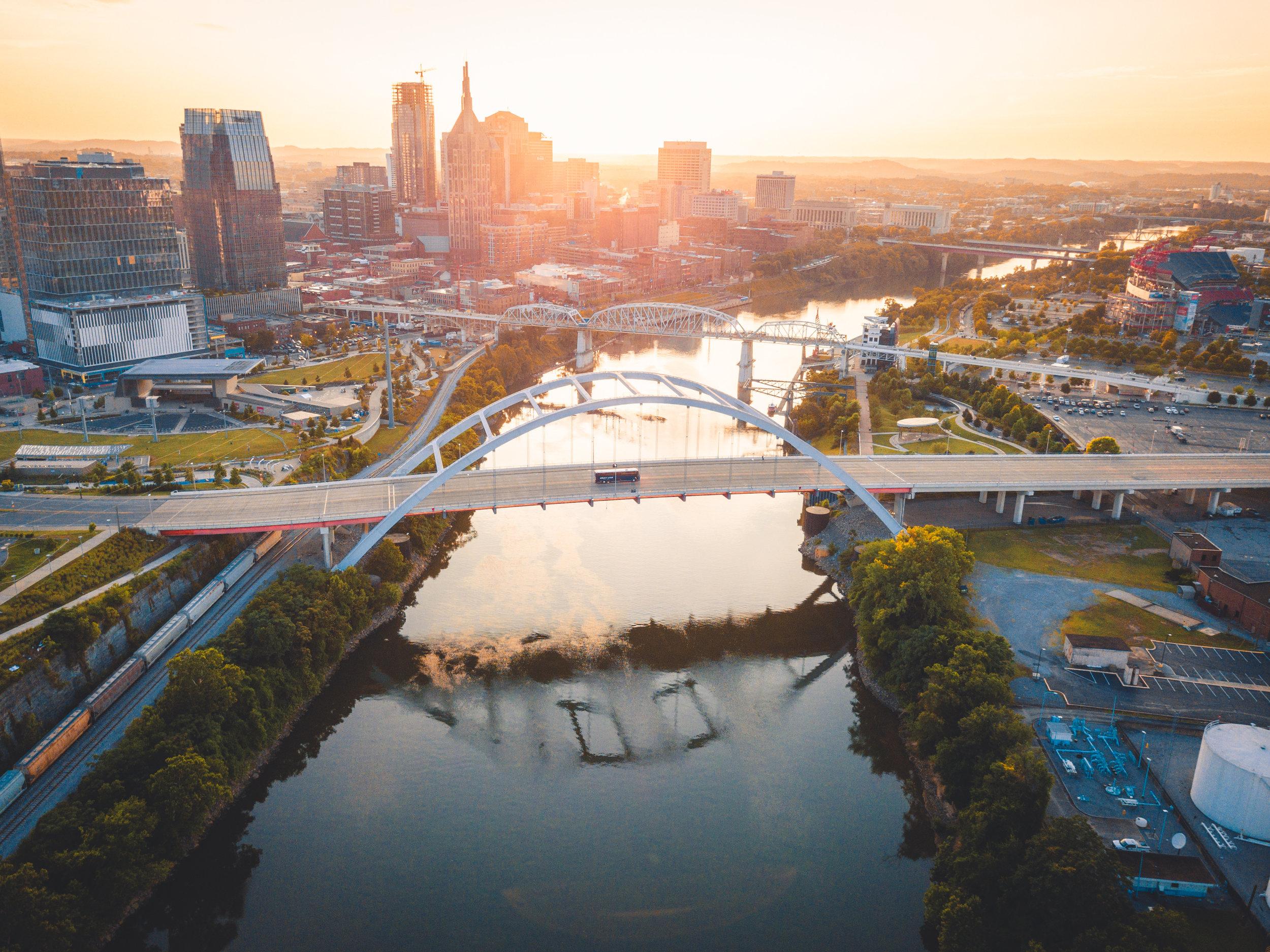 Busin around Nashville, Tennessee