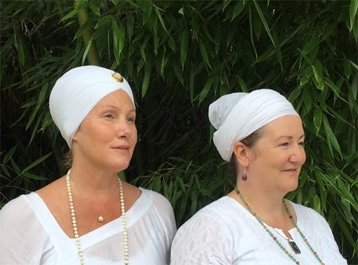 Kundalini yoga teacher trainers Jai Kartar Kaur and Guru Sahai Kaur