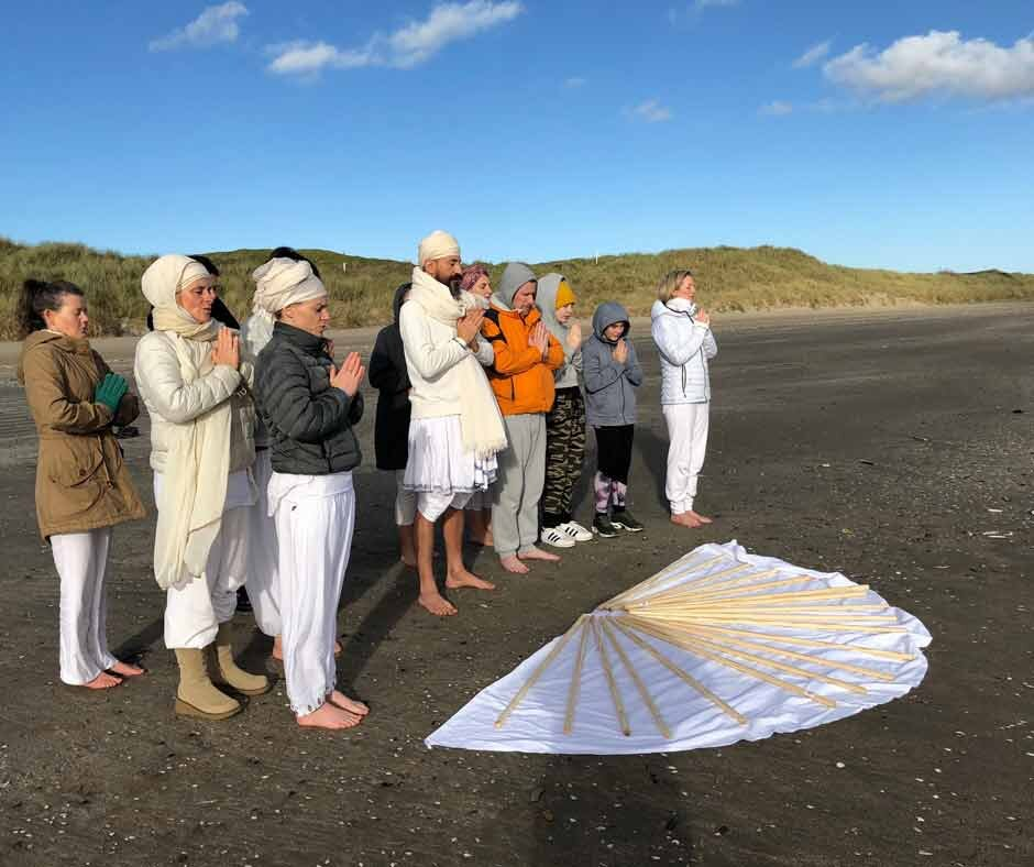 Gatka training on the beach with Harjit Singh