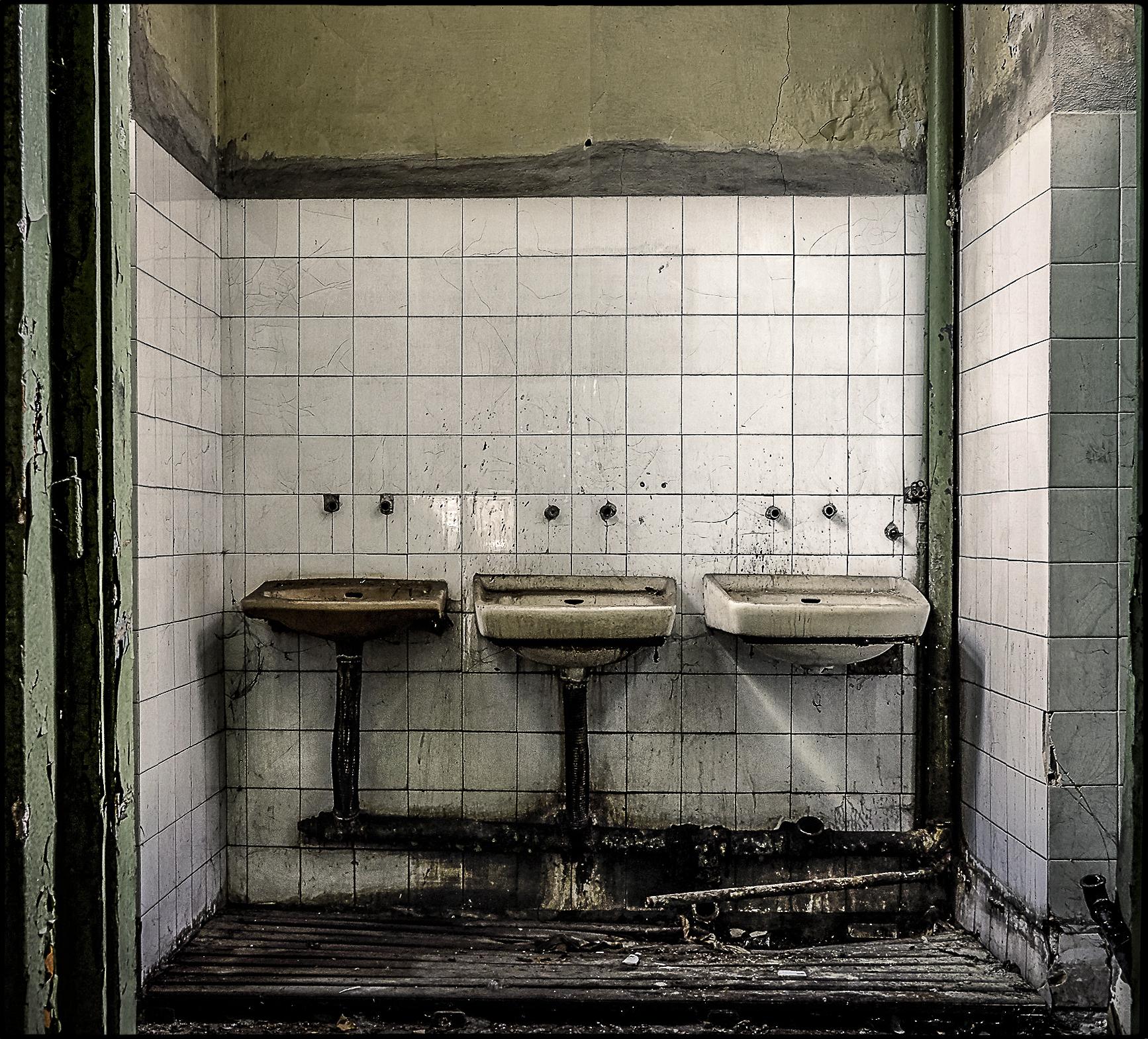 2015_11-Sinks.jpg