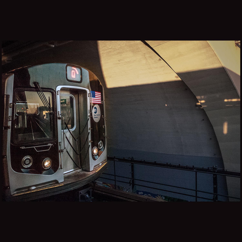 2011_12_13-Subway_Q_75_web.jpg