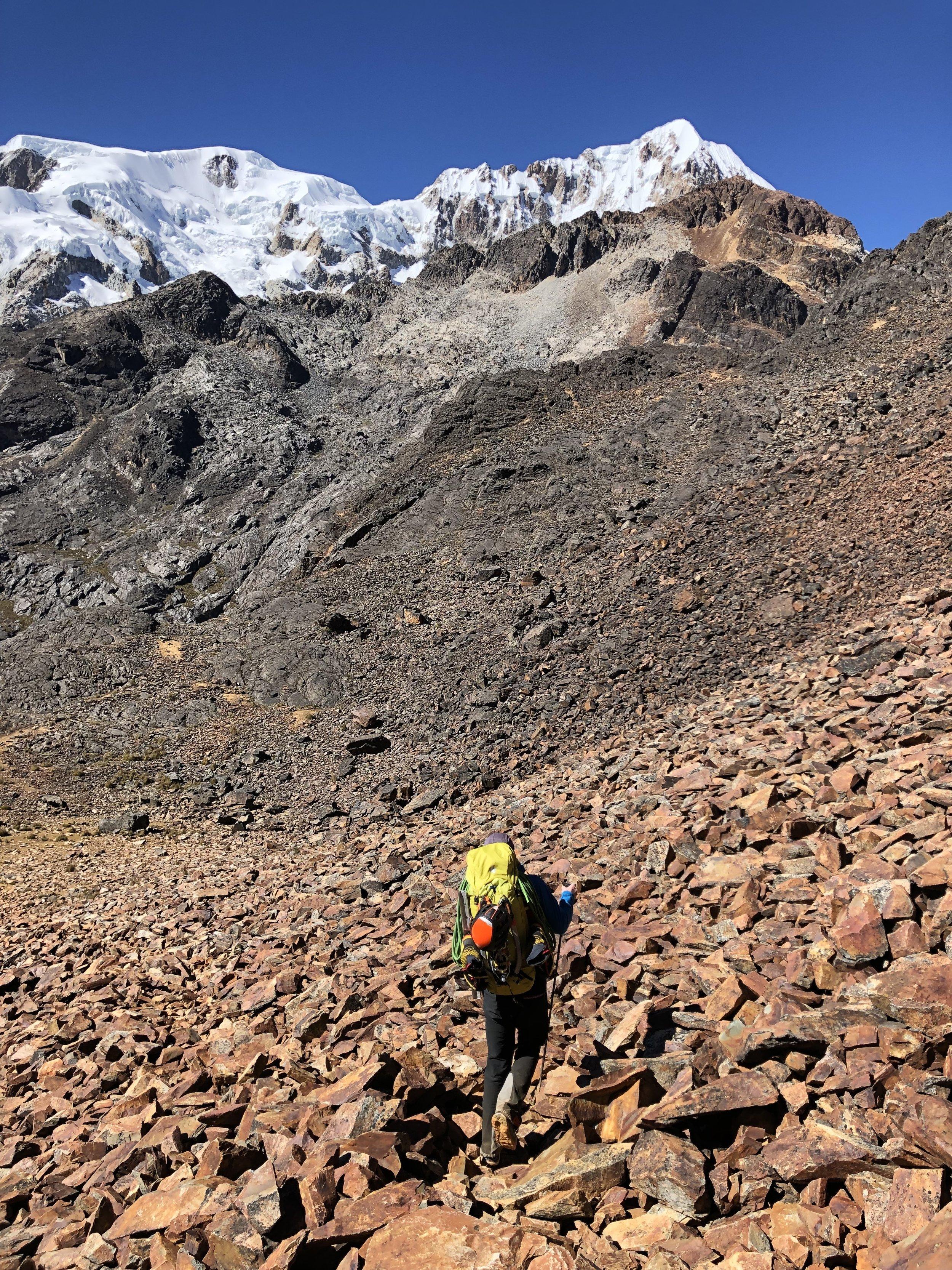 Descending Paso Huila Khota to Aguas Calientes