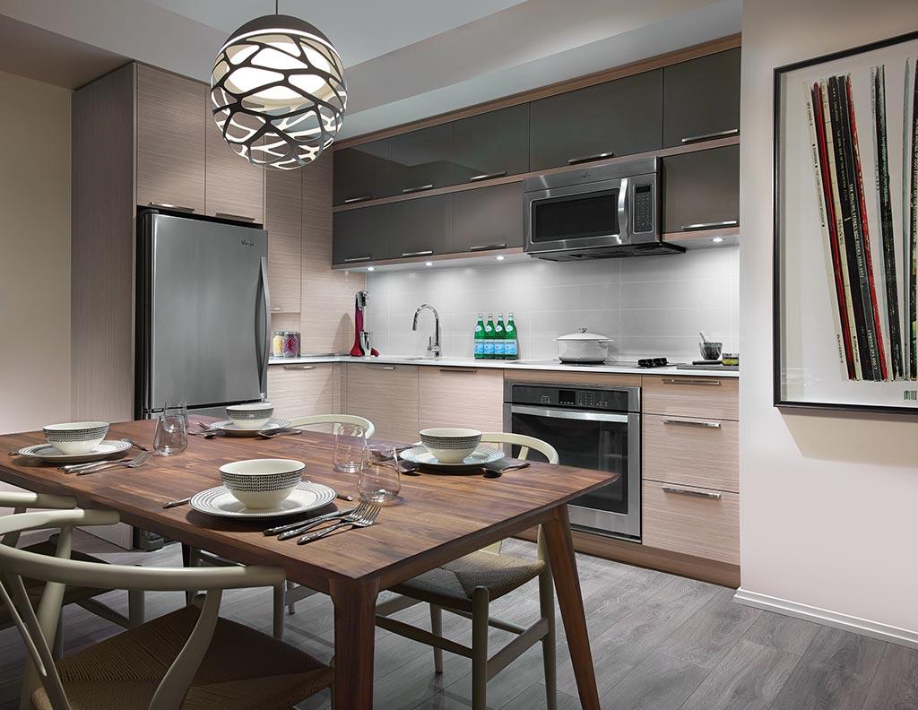 modelsuite-kitchen.jpg