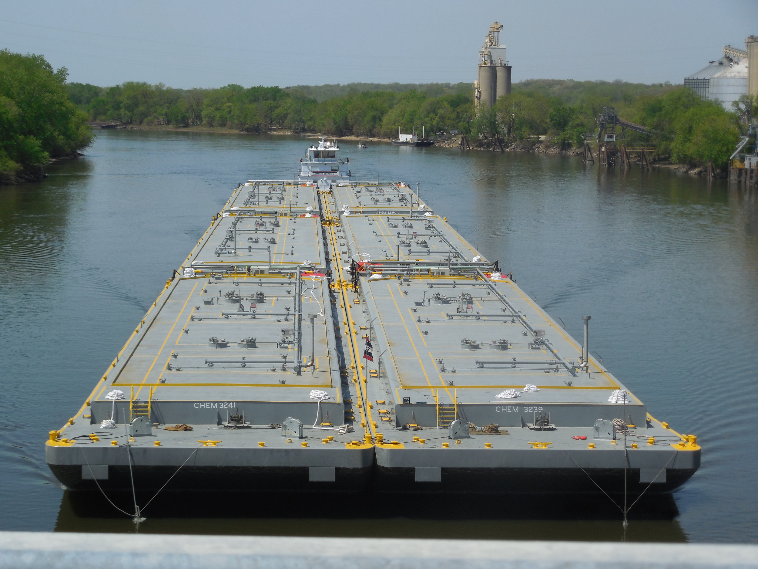 Six, tank barges-003.jpg