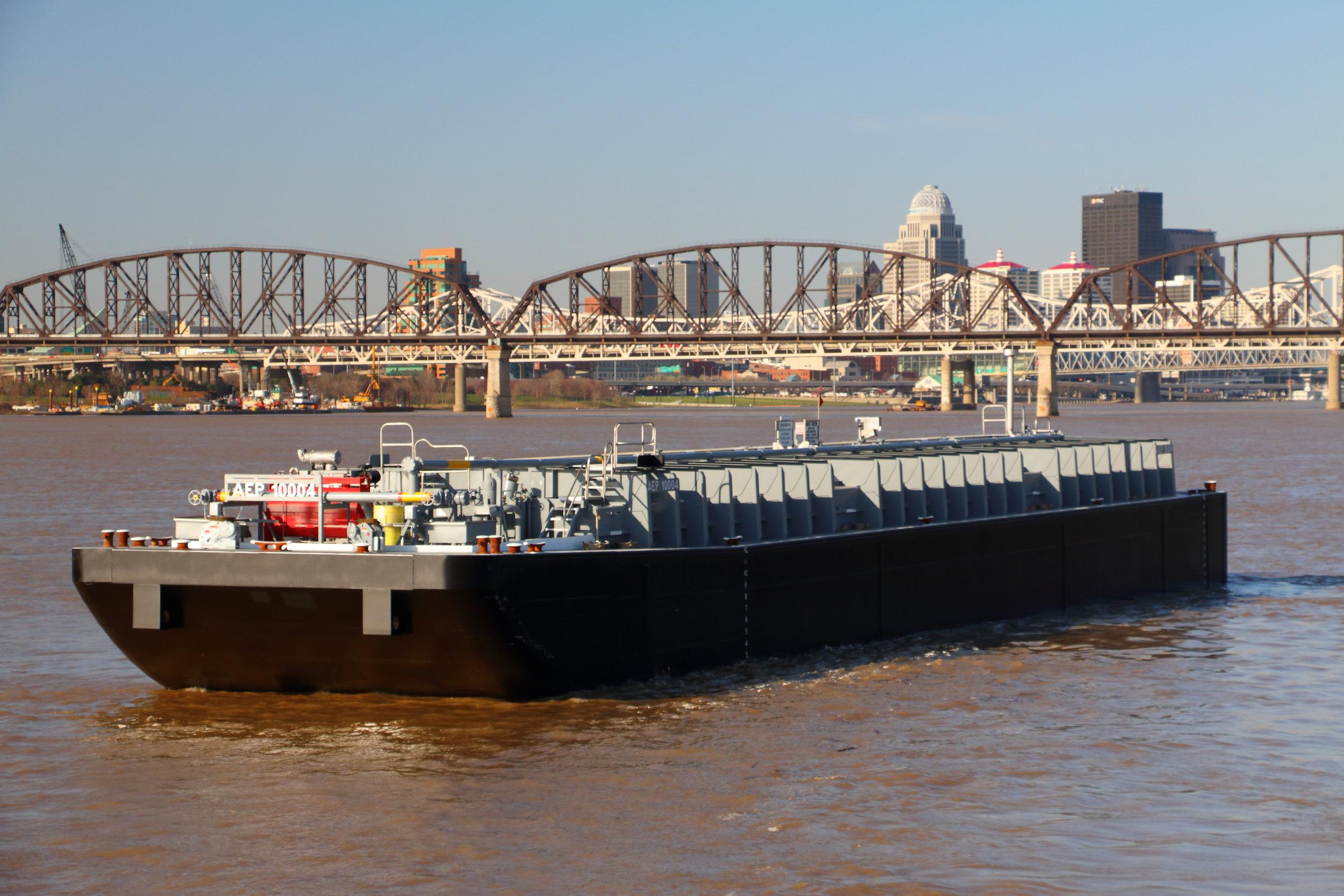 10,000 bbl, externally framed chemical barge