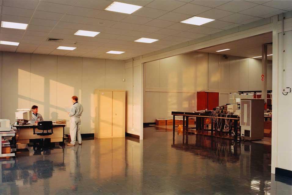 Lewis Baltz, Unoccupied Office, Mitsubishi, VItre (FR) (1989-91)