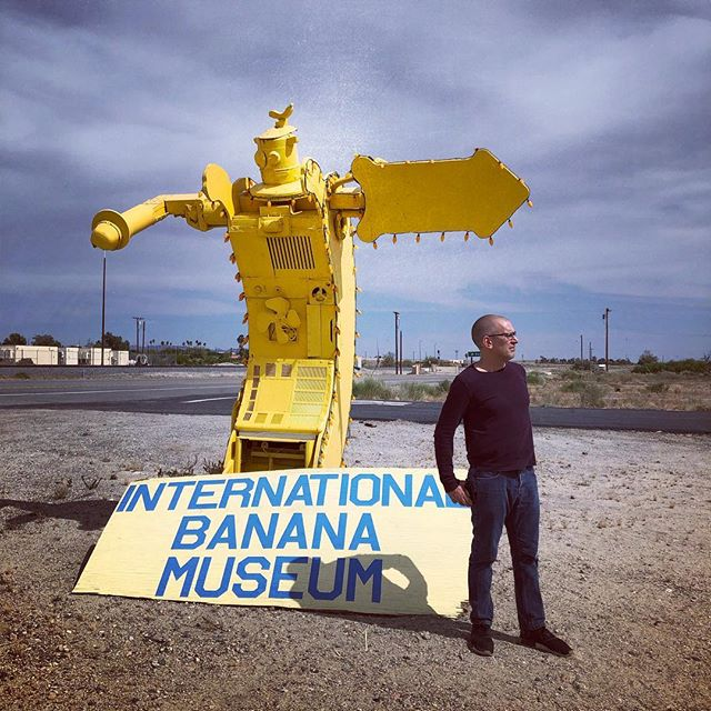 Desert X'ing w the intrepid Mr. Hunt #desertx2019 #publicart #sitespecific #coachella #saltonsea #bananas