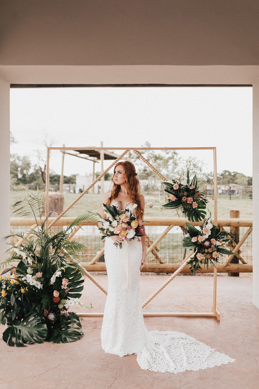 Tropical-Paradise-Inspired-Styled-Shoot-By-Darling-Details-Event-Planning-and-Design12.jpg