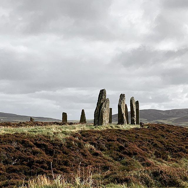 Walking a prehistoric henge #orkneys #isles #scotland