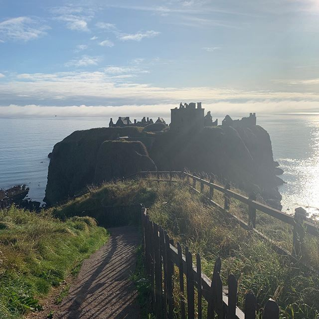Beautiful sunny day for our last castle #Scotland