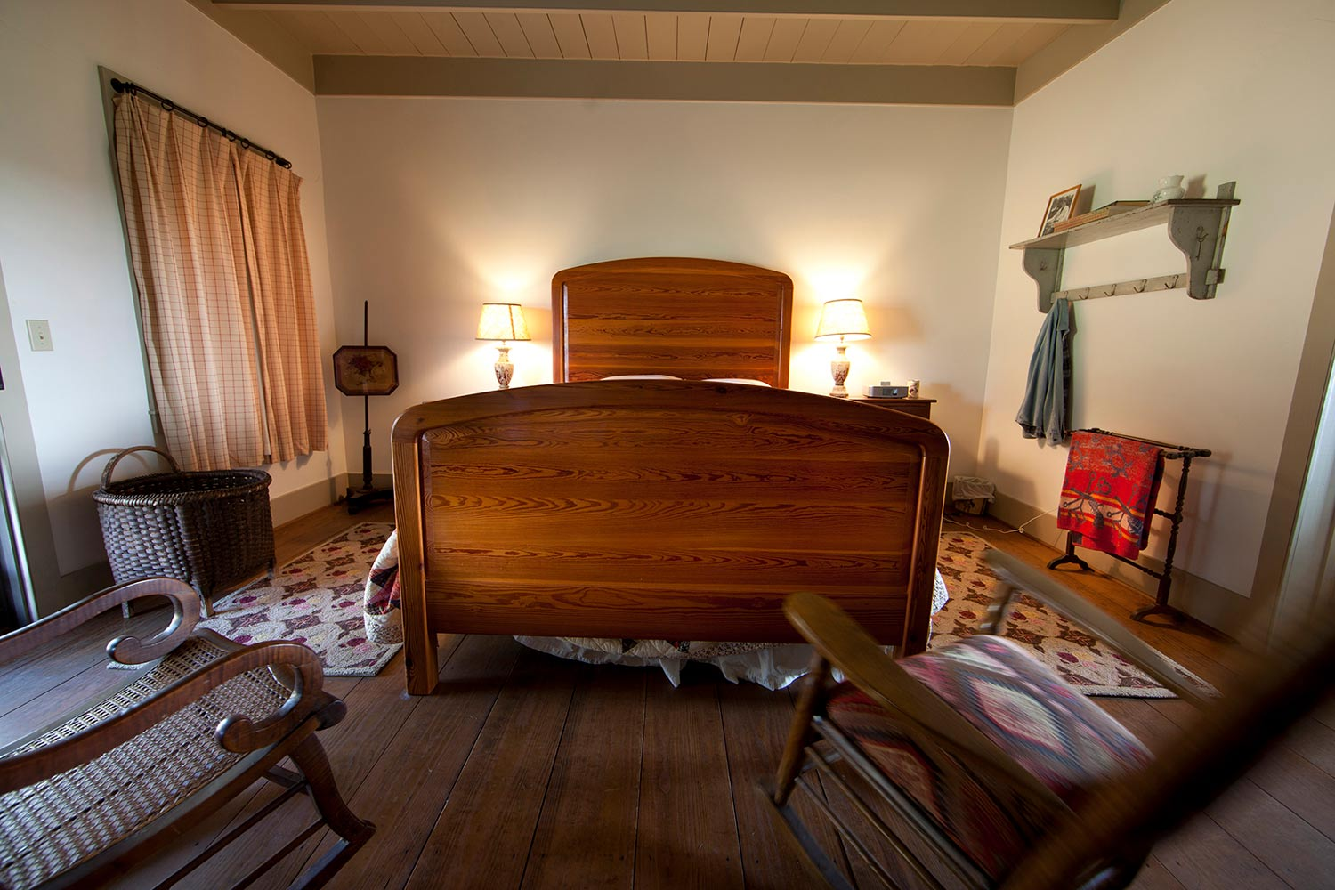 Ranch House     2-8 Guests    $275 - $500