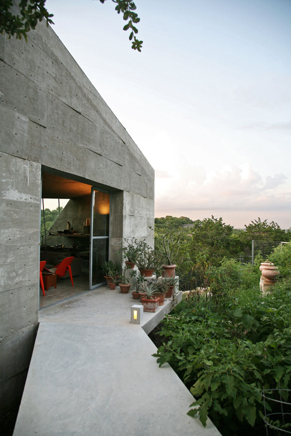 Vine-Island studio in Austin, TX