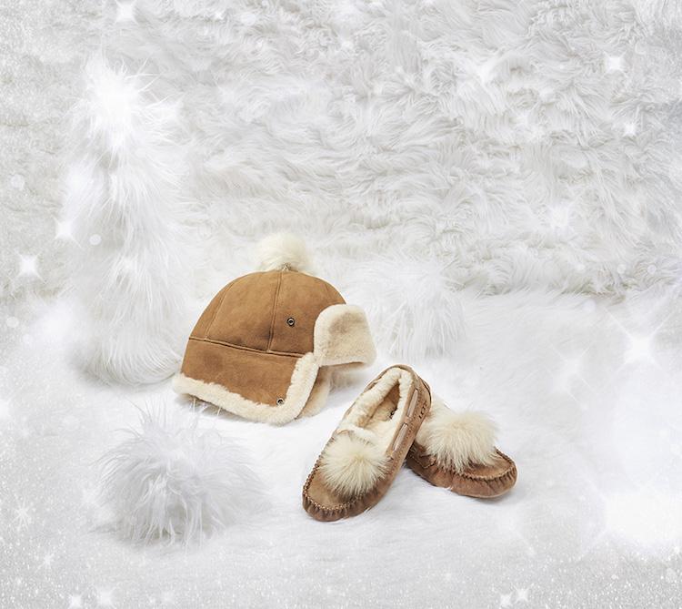 H17-Gift-Guide-W-Sheepskin-Pom-Hat-CHE-Dakota-Pom-Pom-CHE.jpg