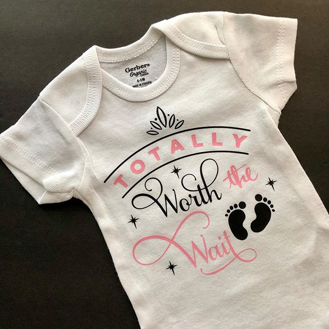 I love this adorable Totally Worth The Wait Onesie in our website: ParadisePaintParties.cim #freeshipping #babyshowergift #onesie #newborn #babyshowergift #baby #smallbusiness #newbabygift #babyfashion #babyclothes #babygirl