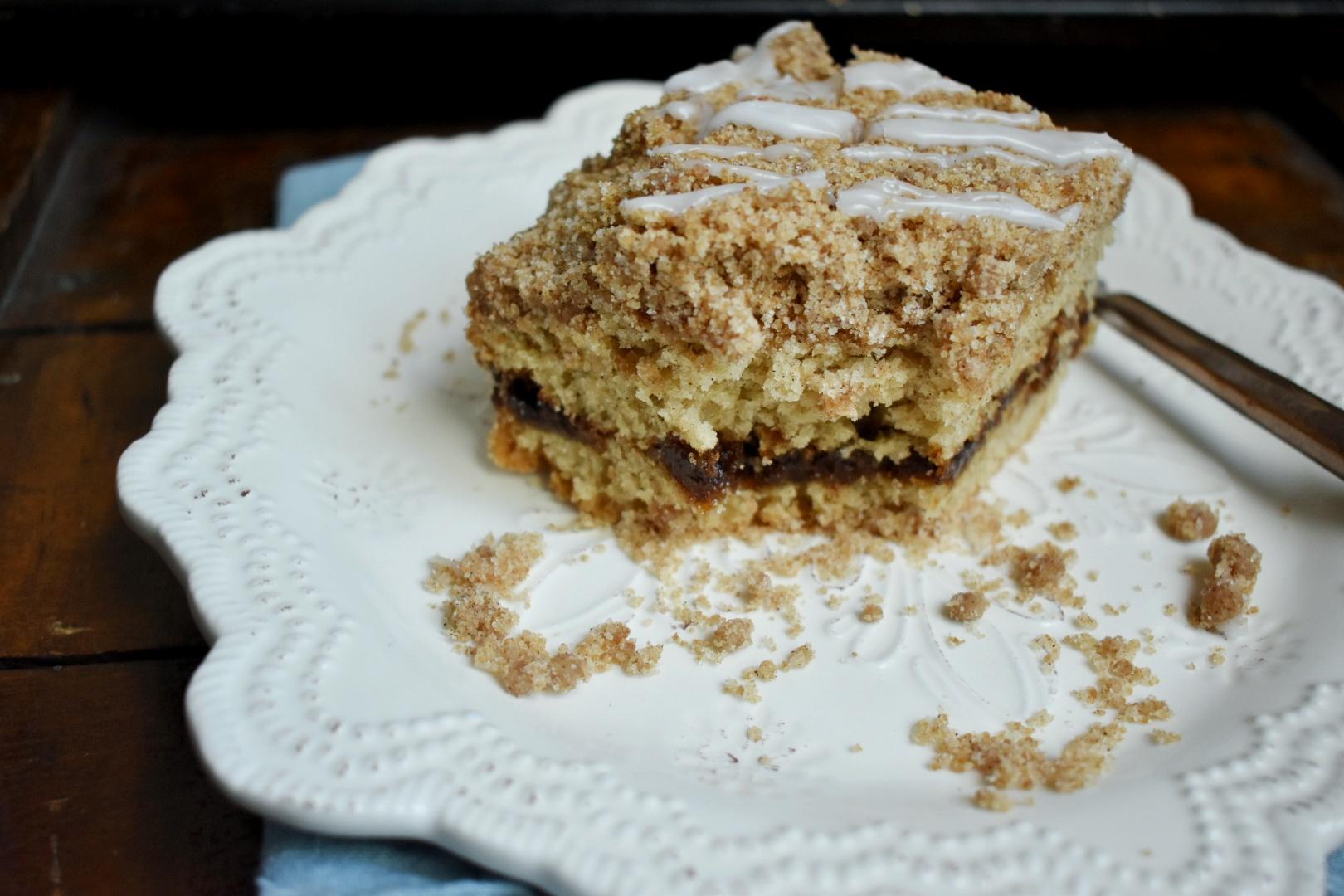 Classic Vegan Coffee Cake - The Bitchy Baker