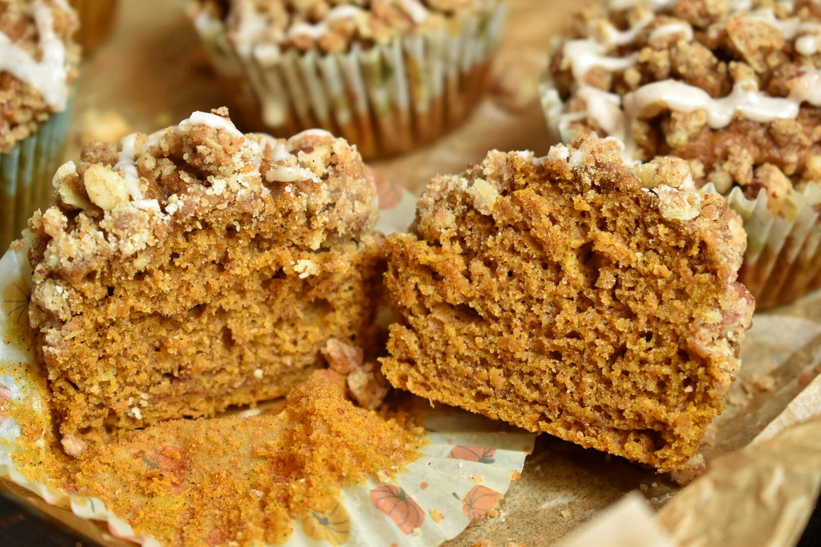 Vegan Pumpkin Spice Crumb Muffins - The Bitchy Baker