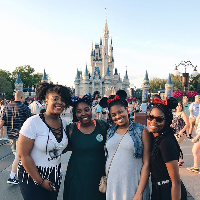 This week brought back so many wonderful memories from my childhood! I almost forgot how magical Disney was. Thanks so much Brittany for planning such an amazing trip and making all of our dreams come true! We made so many memories this week! Can't wait for the next trip! #cousintrip #disney @r0yal_britt @britters___  @davii_darling